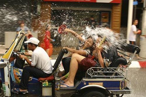 Фестиваль Сонгкран опасность