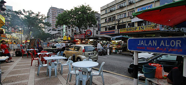 Свершилось: турист набил морду алчному таксисту в Куала-Лумпуре