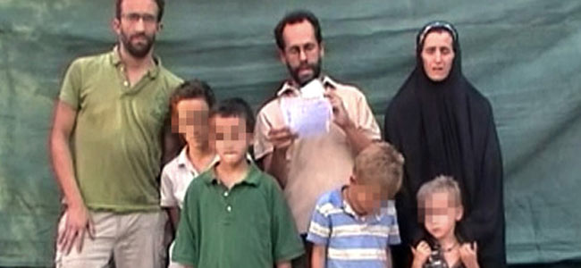 Французскую семью, просидевшую в заложниках у негров два месяца, отпустили на волю