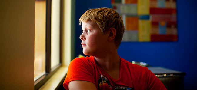 Двенадцатилетний английский мальчик сошел с ума в ОАЭ и боится ехать домой