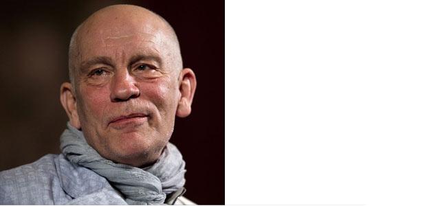 Джон Малкович в Торонто своим шарфом спас жизнь пожилому туристу из США