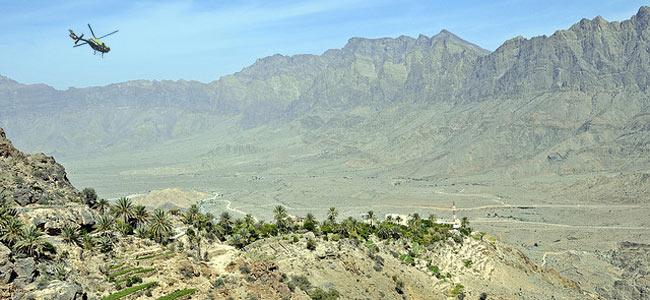 Авиация султана Омана спасла в горах шведского туриста, который сломал ногу