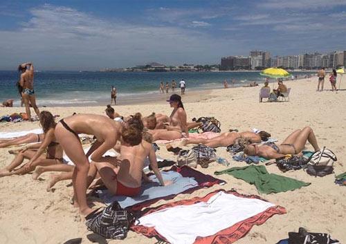 Рио-де-Жанейро город-топлес