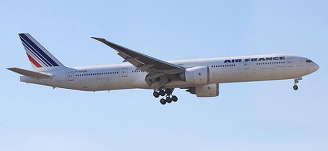 В Париже задымился самолет в Шанхай. Триста пассажиров эвакуировано