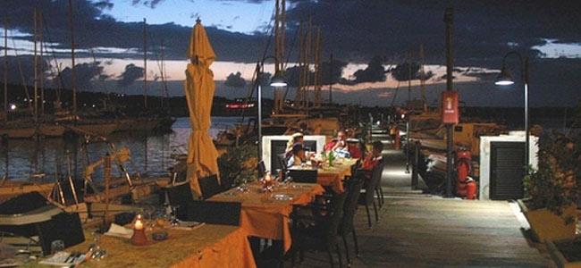 Голландцы перекусили в Италии: лобстер и шампанское — 13 тысяч евро