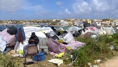 Лагерь нелегалов на Лампедузе