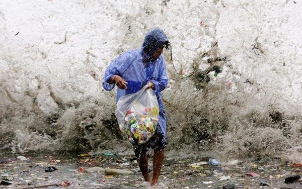 Волны мусора Прибой