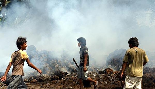 Утилизация мусора по-индонезийски