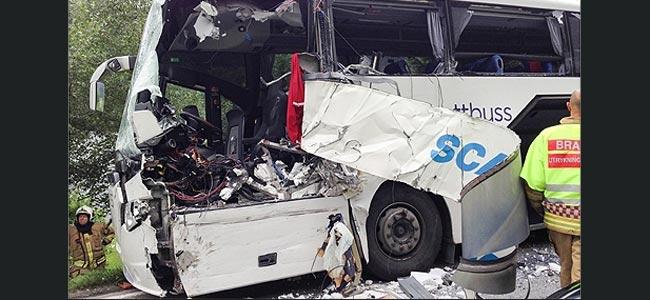В столкновении скандинавских автобусов c туристами погибла девушка с Тайваня