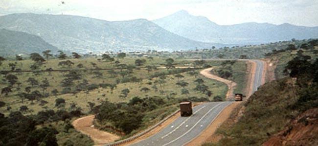 В Кении водитель грузовика убил троих туристов из Испании