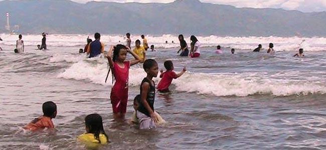 pelambuhan-ratu-beach