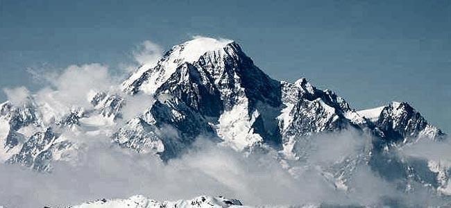 Британский солдат разбился, упав с горы из Франции в Италию