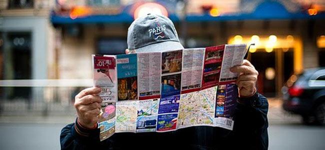 tourist-in-paris