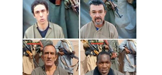 Трое заложников Аль-Каиды вернулись во Францию из Нигера после трех лет неволи