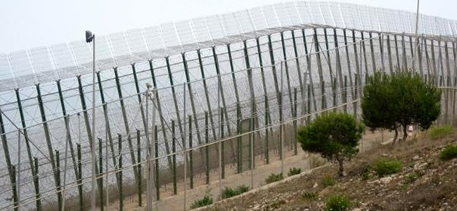 «Евромайдан» в Мелилье: забор между Африкой и Европой штурмовали 300 нелегалов