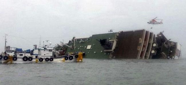 Спасение утопающих c корейского парома продолжается. 368 человек уже вне опасности