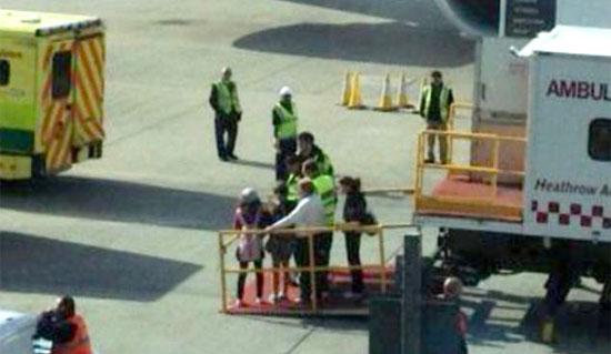 60 детей отравились в самолете