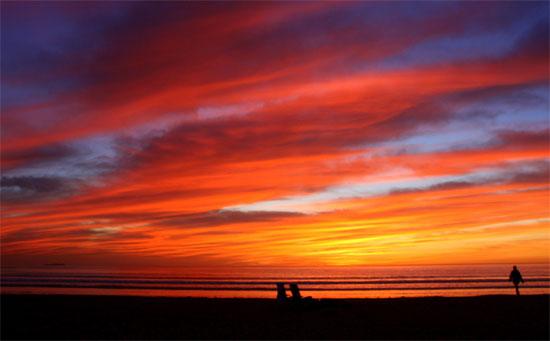 Закат на нудистском пляже
