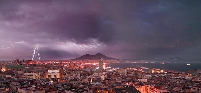 vesuvius-lightning
