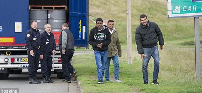 calais-migrants