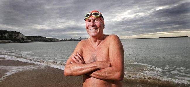 Австралиец в 70 лет переплыл Ла-Манш и стал рекордсменом