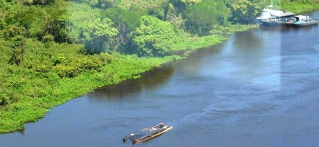 Трое туристов из Бразилии погибло и 11 пропало без вести в катастрофе катера на реке Парагвай