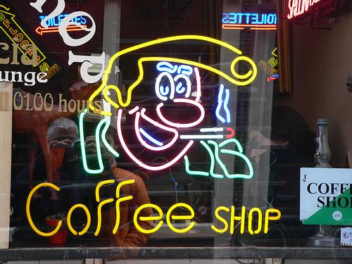 В Амстердаме закрывается половина кофешопов