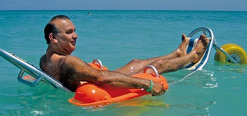 В Дубае купаться в море теперь смогут и инвалиды