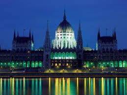 Средний возраст ростуриста приехавшего в Венгрию составляет 40 лет