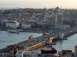 Три секции исторического Галатского моста в Стамбуле пропали без следа