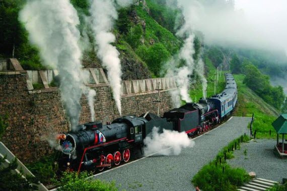 Путешествие по железной дороге может быть захватывающим