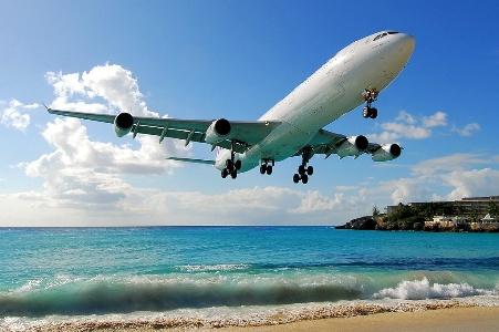 Завтра подешевеют авиабилеты на зарубежные рейсы
