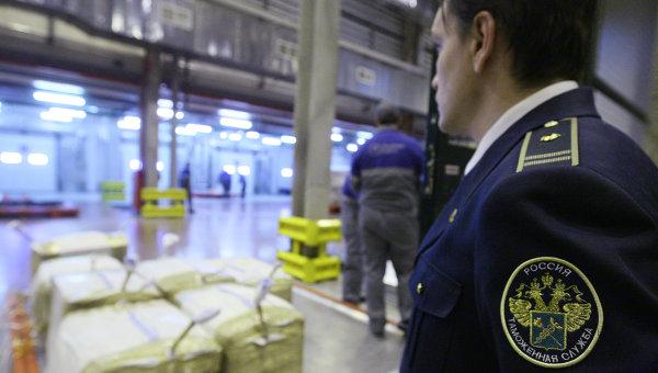 Китайский турист хотел «навариться» на самоварах из России
