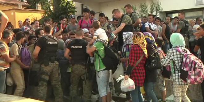 Берлинский аэропорт примет мигрантов