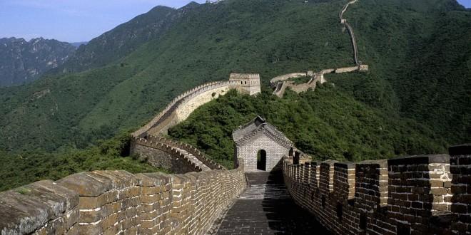 Великая китайская стена начала разрушаться