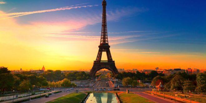 Париж признали лучшим местом для отдыха и туризма